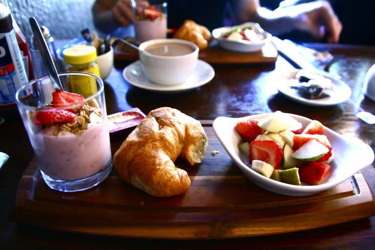Pular café da manhã pode promover hábitos e comportamentos não saudáveis