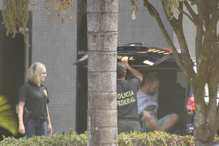 Walter Delgatti, suspeito de hackear autoridades, é visto na Superintendência da Policia Federal em Brasília