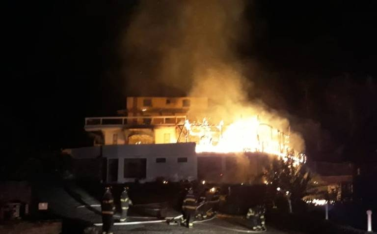 Incêndio em hotel em Campos do Jordão