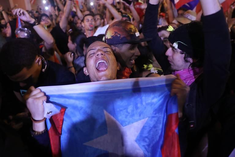 Porto-riquenhos comemoram renúncia do governador Ricardo Rosselló