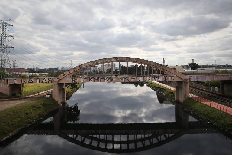 Região do canal Jurubatuba, na zona sul de São Paulo, cujo projeto urbanístico aguarda aprovação na Câmara