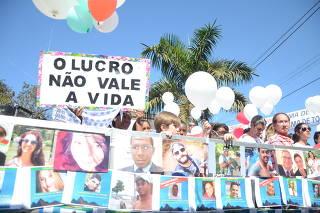 Familiares de vítimas e atingidos pelo rompimento da barragem criticam a Vale em Brumadinho (MG)