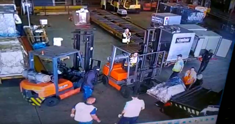 Bando conseguiu levar 720 quilos de ouro de dentro de um terminal de cargas do Aeroporto Internacional de São Paulo