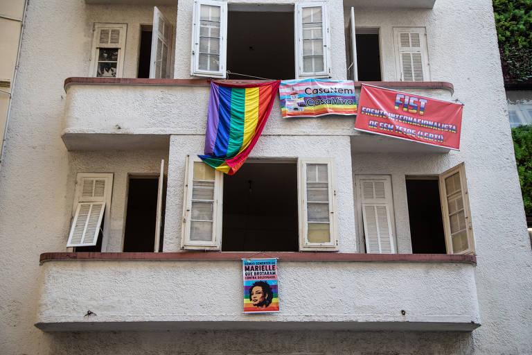 Grupo LGBT invade prédio em Copacabana, no Rio