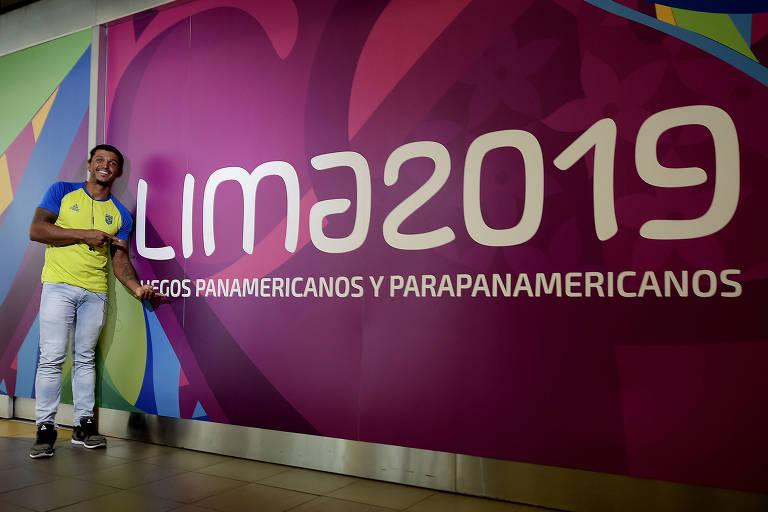 Chegada do canoísta Isaquias Queiroz a Lima, no Peru, para a disputa dos Jogos Pan-Americanos