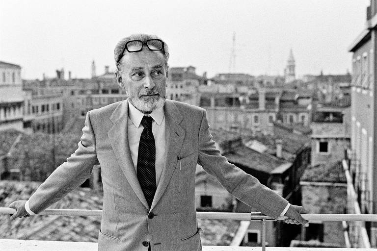 Retrato de 1980 do escritor italiano Primo Levi