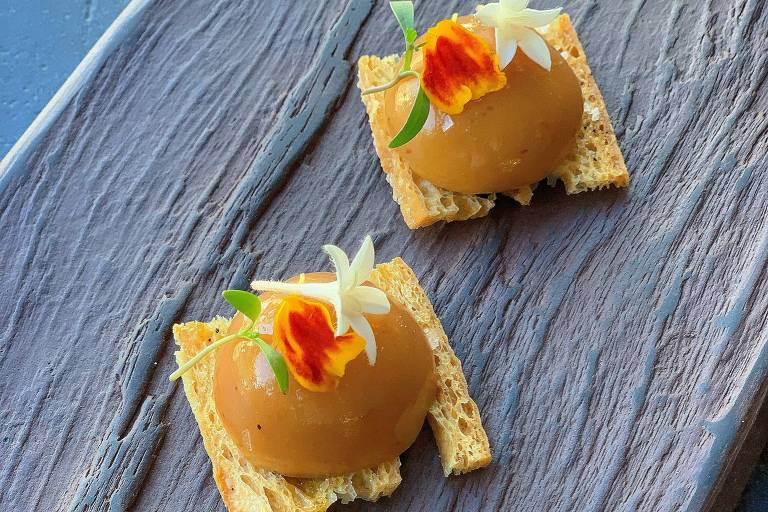 Bombom de queijo da serra do Bálsamo e marmelada de Santa Luzia de Ian Baiocchi
