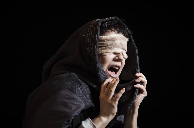 Veja imagens da peça 'Tutankáton'