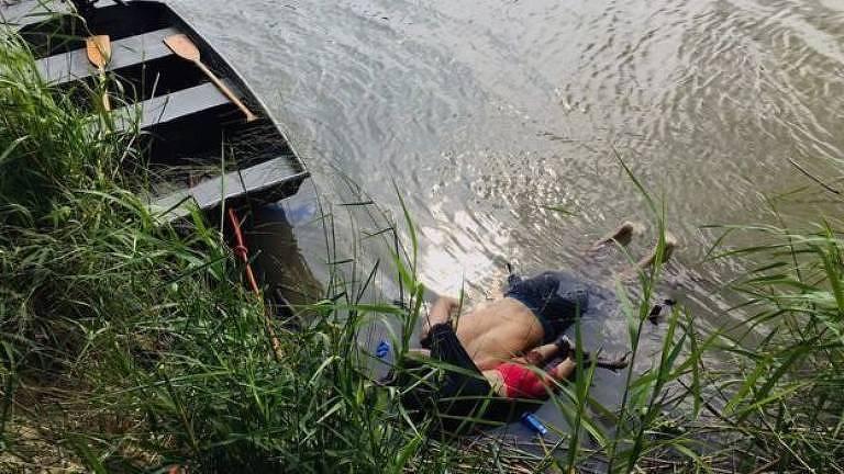 Homem e criança mortos em rio