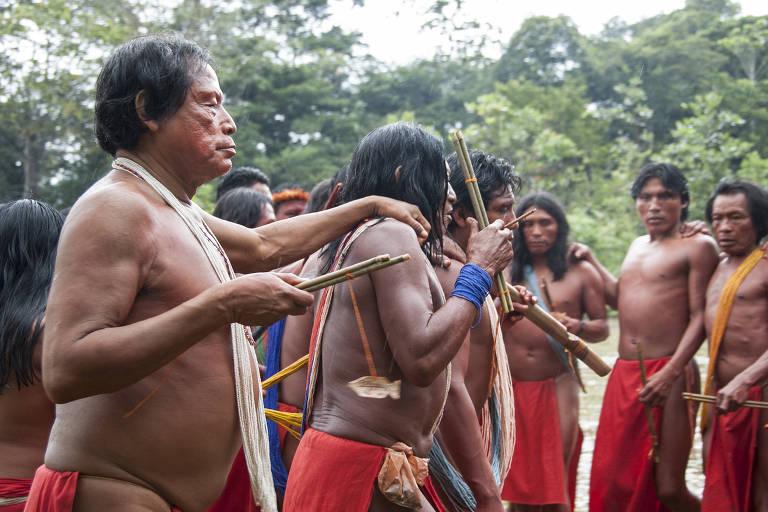 Índios da etnia waiãpi no oeste do Amapá