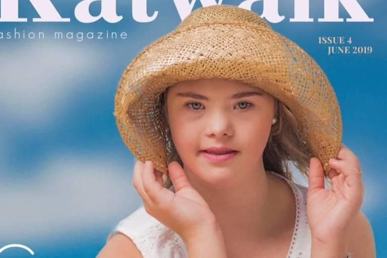 A modelo brasileira de apenas 15 anos, Georgia Furlan, estampou a capa de uma revista da Austrália que trata sobre inclusão
