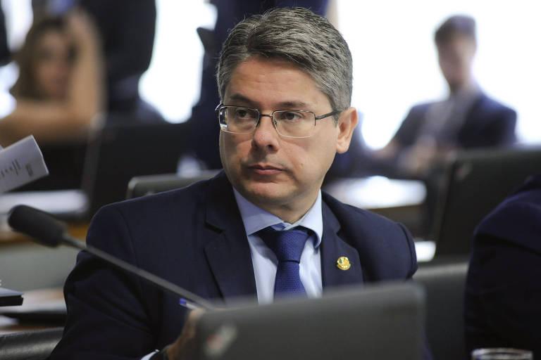 Senador Alessandro Vieira (PPS-SE) em reunião da Comissão de Assuntos Econômicos (CAE)