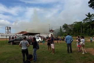 Famílias se desesperam na porta de presídio palco de massacre no Pará