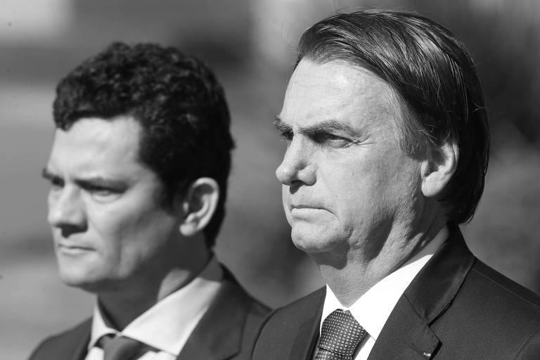 O ministro da Justiça, Sergio Moro, e o presidente da República, Jair Bolsonaro, durante cerimônia em Brasília, em junho deste ano