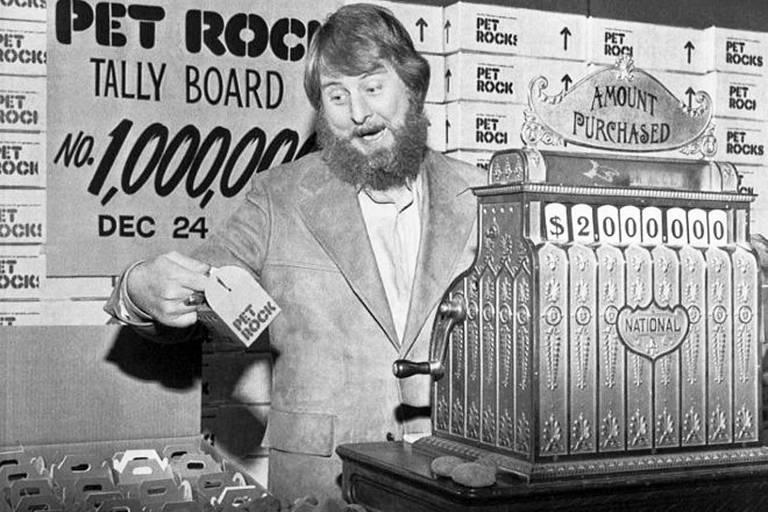 Gary Dahl vendeu 5 milhões de pedras de estimação em 1975 -até que a moda passar após o Natal