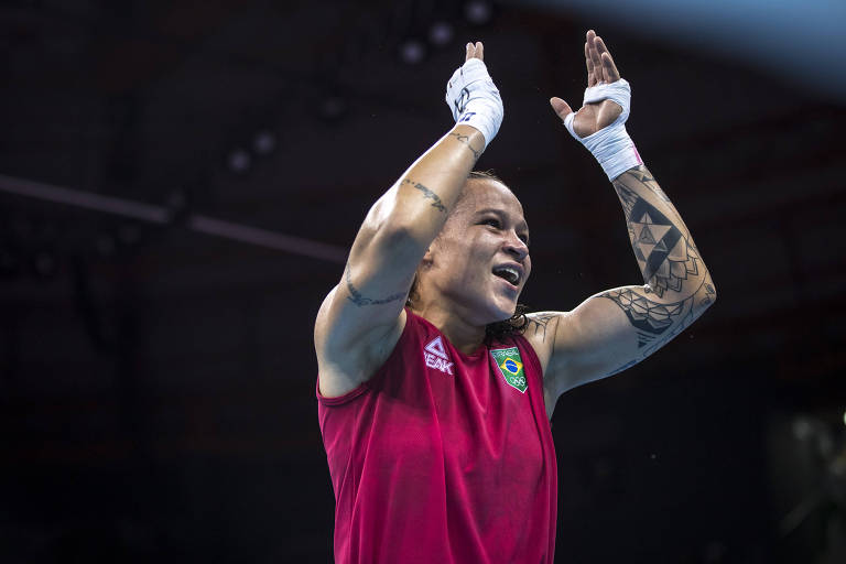 Bia Ferreira comemora vitória na semifinal do Pan-Americano de Lima