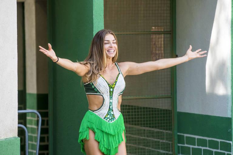 Paloma (Grazi Massafera) na escola de samba Unidos do Bom Sucesso