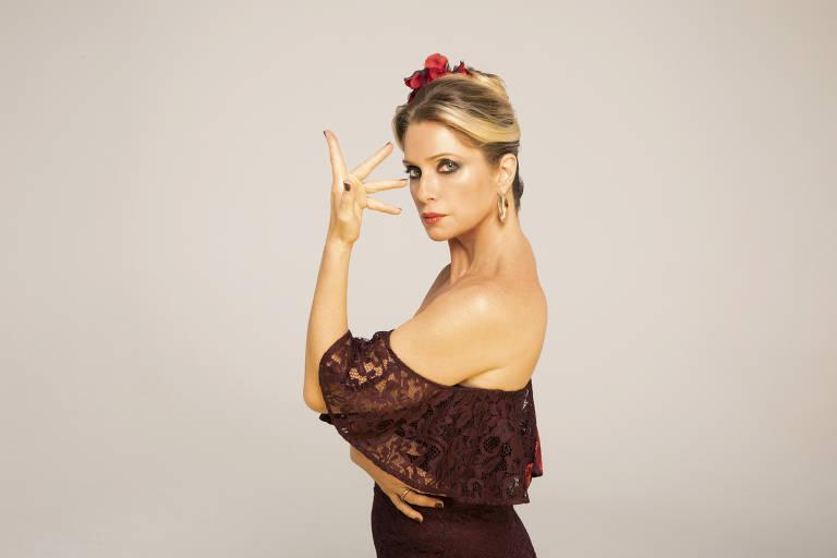 Com Marcos Mion e Letícia Spiller, comédia musical 'Zorro - Nasce Uma Lenda' estreia no Teatro Santander