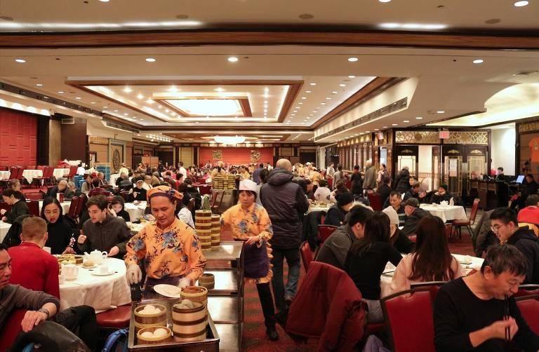 Salão do restaurante Jing Fong, em Nova York