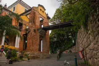 Rio de Janeiro, Brazil: Parque das Ruinas in Santa Teresa Hill, a Public Park with ruins of a mansion - Rio de Janeiro, Brazil