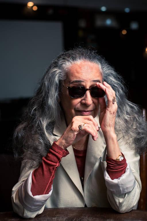 Maria Bethânia retorna aos palcos