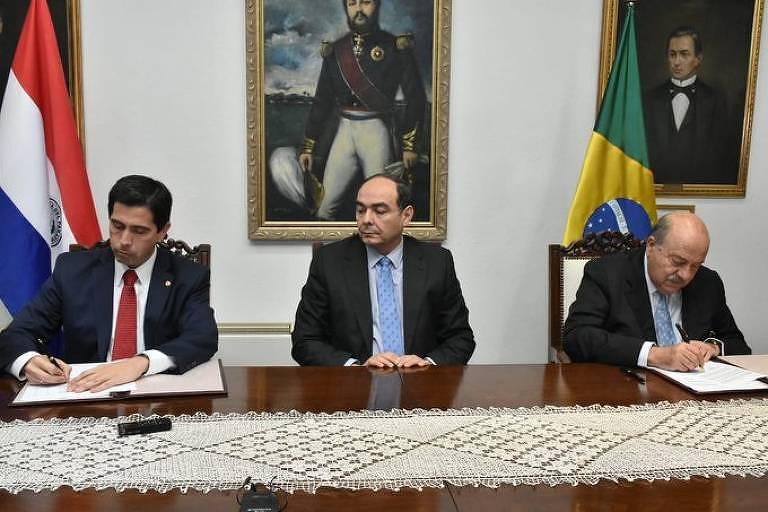 Assinatura de termo que cancela acordo energético firmado entre Brasil e Paraguai