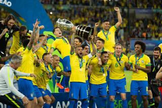Brasil e Peru na Final da Copa América no Rio de Janeiro