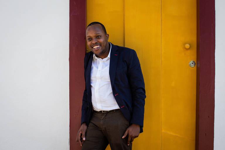 Moçambicano culpa universidades do Brasil e de Portugal por baixa difusão da atual literatura africana