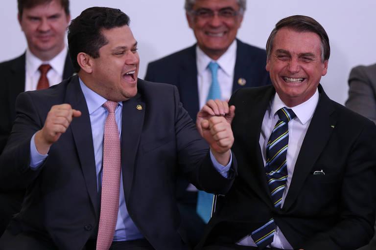 Senadores temem que Alcolumbre deixe posição de autonomia em relação a Bolsonaro