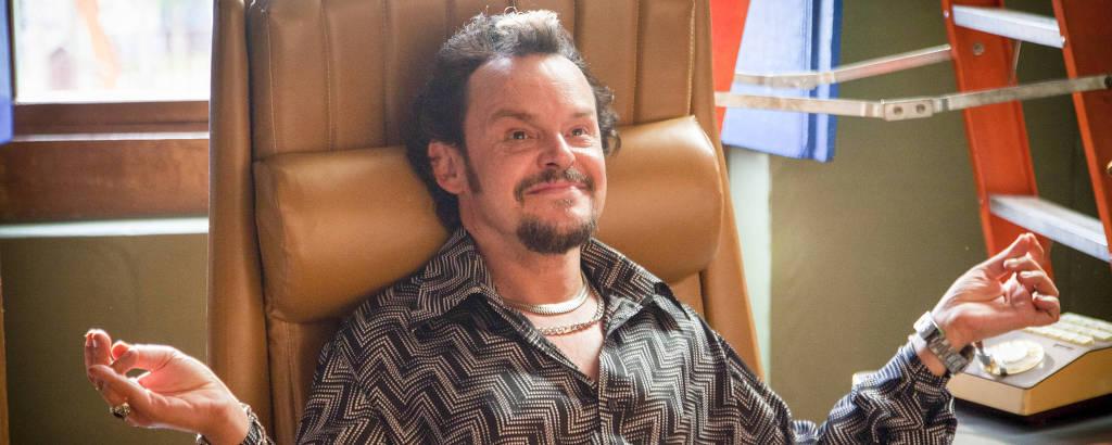 Matheus Nachtergaele como Olegário de 'Cine Holliúdy'