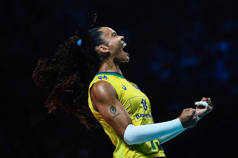 A ponteira Amanda, jogadora do time de vôlei feminino no Brasil