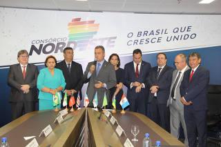 Rui Costa (ao centro), governador da Bahia, com governadores da região