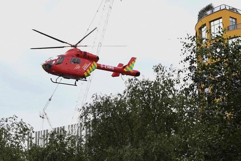 Helicóptero-ambulância levou garoto para hospital após queda do décimo andar da Tate Modern