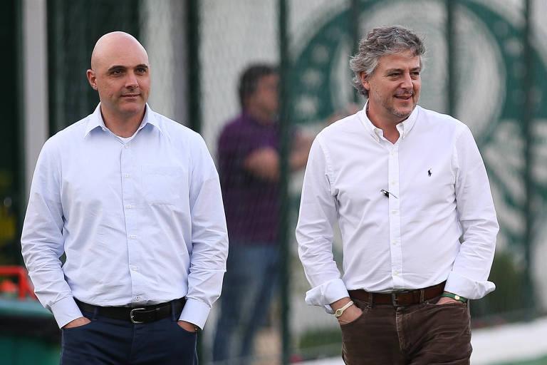 Maurício Galiotte (à esq.), atual presidente do Palmeiras, ao lado de Paulo Nobre, ex-mandatário do clube; Galiotti foi vice-presidente na gestão de Nobre