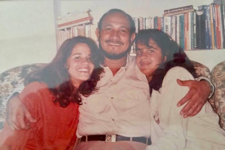 O físico Antônio Carlos Pereira com suas duas filhas