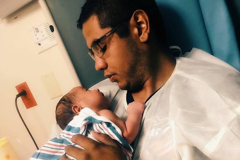 Andre Anchondo com o filho