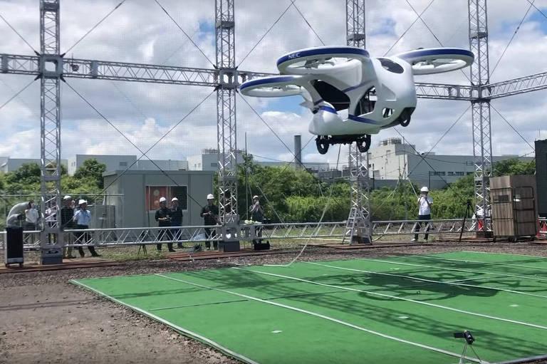 A NEC revela protótipo de carro voador elétrico enquanto procura oferecer suas tecnologias a outras companhias em meio ao boom global para desenvolver veículos aéreos