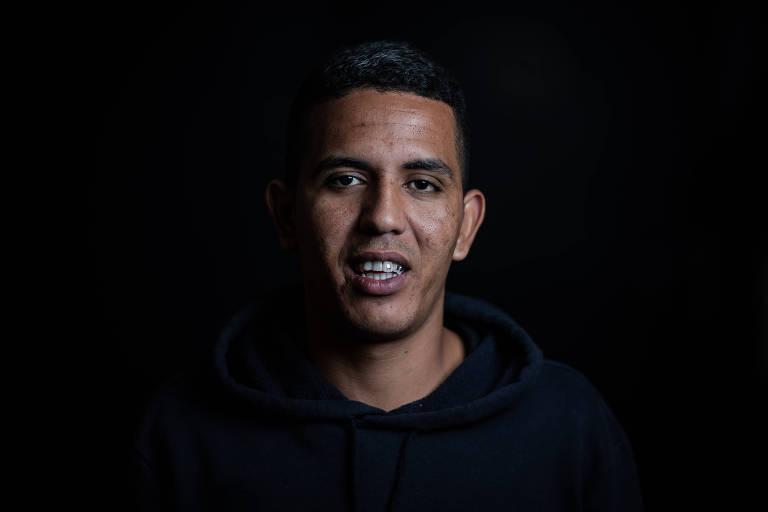 Igor Barcellos, 22, foi preso por quase três anos acusado de uma tentativa de latrocínio da qual sempre sustentou ser inocente