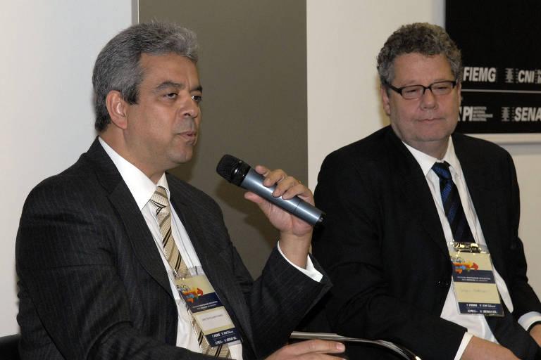 À esquerda, o novo diretor interino do Inpe, Darcton Policarpo Damião, anunciado pelo ministro Marcos Pontes (Ciência e Tecnologia) nesta segunda (5)