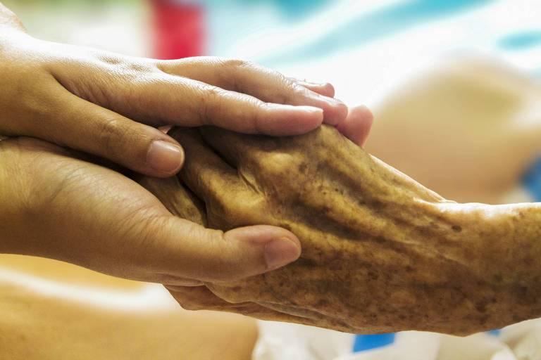 Na prática, na vida real, cuidados paliativos ainda são para muito poucos