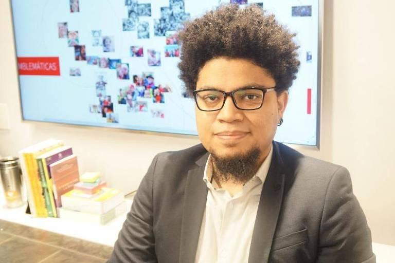 O pesquisador brasileiro Tarcízio Silva criou o conceito de 'racismo algorítmico' e faz uma leitura crítica das mídias sociais no que diz respeito à discriminação