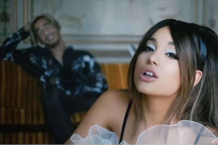Ariana Grande em clipe de 'Boyfriend' com o rapper Michael 'Mikey' Foster