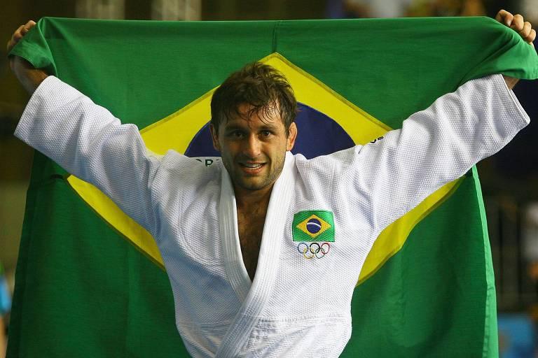 João Derly comemora a conquista da medalha de ouro dos Jogos Pan-Americanos de 2007