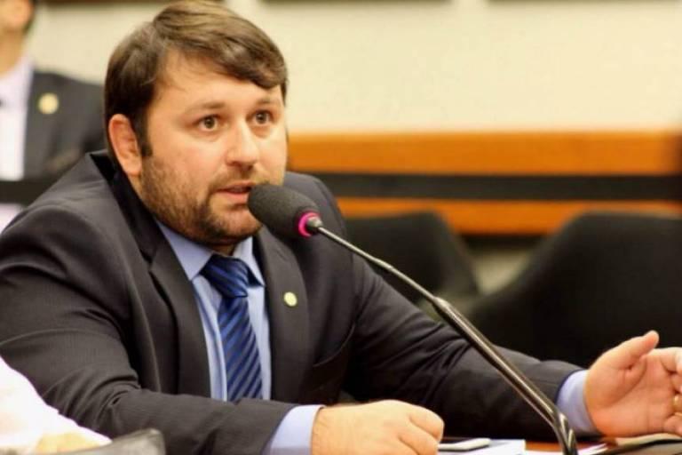 Derly trocou o quimono pelo terno, foi deputado federal e hoje atua como secretário do governo do RS