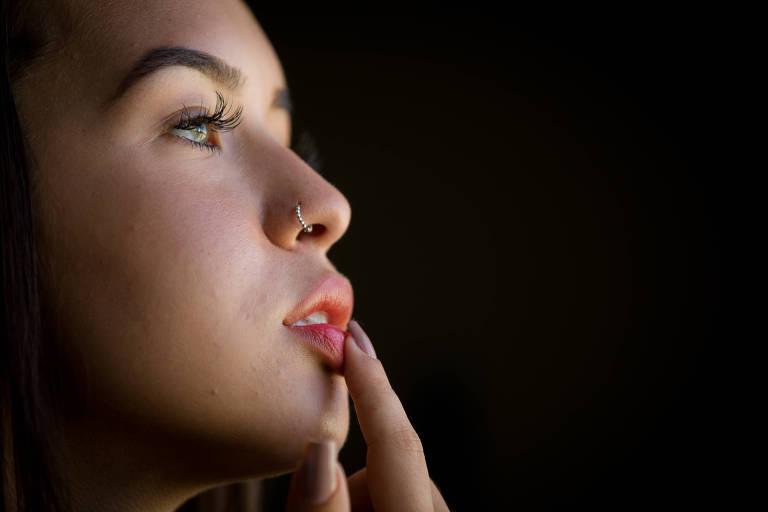 Ana Luiza Mangeon, 19, colocou preenchimento labial e ja pensa em repetir o procedimento
