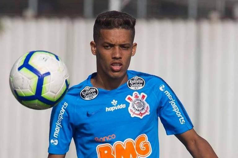 O meia-atacante Pedrinho é uma das armas do Corinthians para furar a defesa do Goiás no confronto desta quarta-feira (7), em Itaquera, válido pela 7ª rodada do Brasileiro.