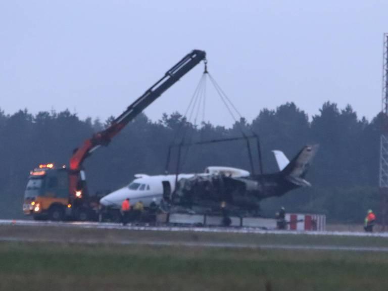 Avião de Pink pega fogo na Dinamarca
