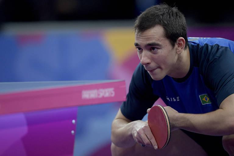 Hugo Calderano se prepara para receber um saque durante partida nos Jogos Pan-Americanos de Lima