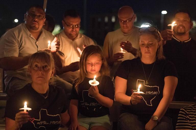 Vigília em homenagem às vítimas do massacre em El Paso, no Texas