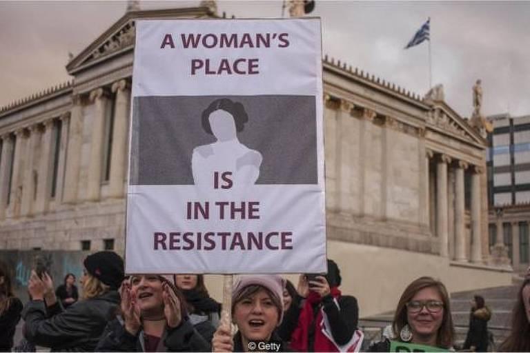 Ativistas na Marcha das Mulheres 2018 protestam pelos direitos das mulheres no mercado de trabalho